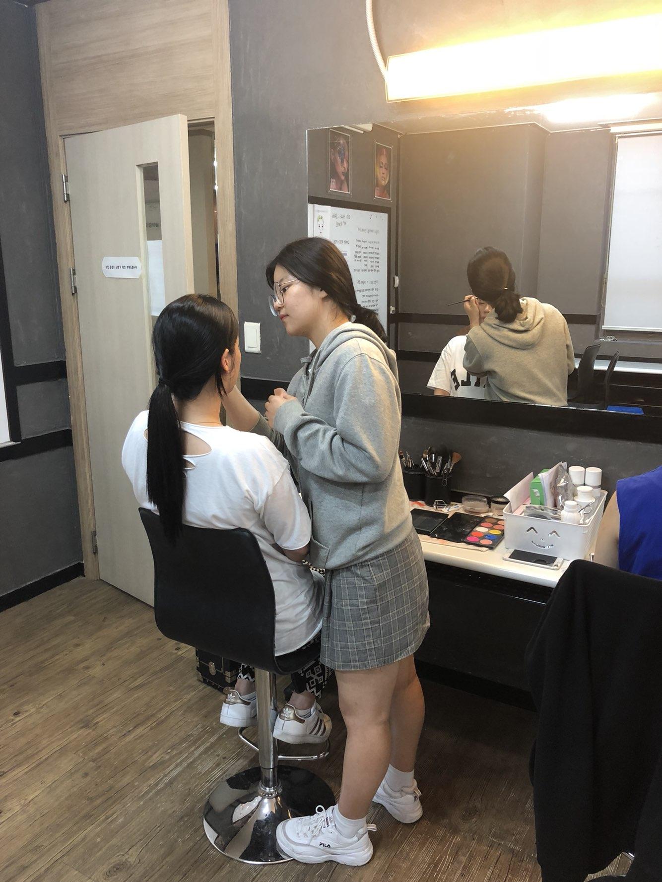 메이크업자격증 3회실기 준비중!!
